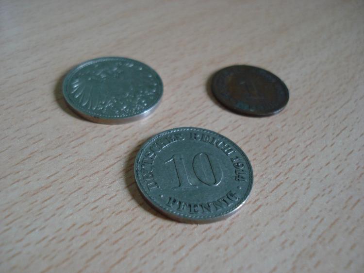Diese Geldstücke im Wert von 10 bzw. 1 Pfennig wurden 1914 geprägt.