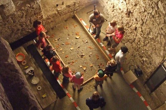 Kleine Archäologen